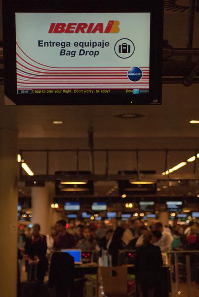 Listo para viajar a Madrid pero por desgracia con Iberia, no necesariamente la mejor línea aérea pero no hemos encontrado más barato y en todo caso no puede ser peor que Sabena o Ryanair. <br /> <br /> Aeropuerto Bruselas - Bélgica