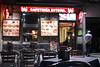 Uno de mis locales donde suelo parar cuando estoy en Madrid desde 1996: Cafetería Estoril en la Glorieta del Emperador Carlos V. <br /> Atención cada vez más simpática, siempre una tapa con una caña/tubo/jarra y una agradable terraza para las noches de verano.<br /> Lamentablemente cierran a media noche.<br /> <br /> Cafetería Estoril - Glorieta Emperador Carlos V - Madrid - España