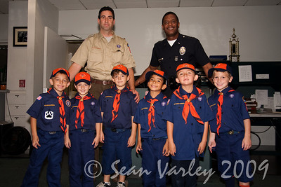 2009.11.22 Cub Scouts police visit 009
