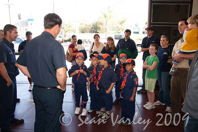2009.11.22 Cub Scouts police visit 019