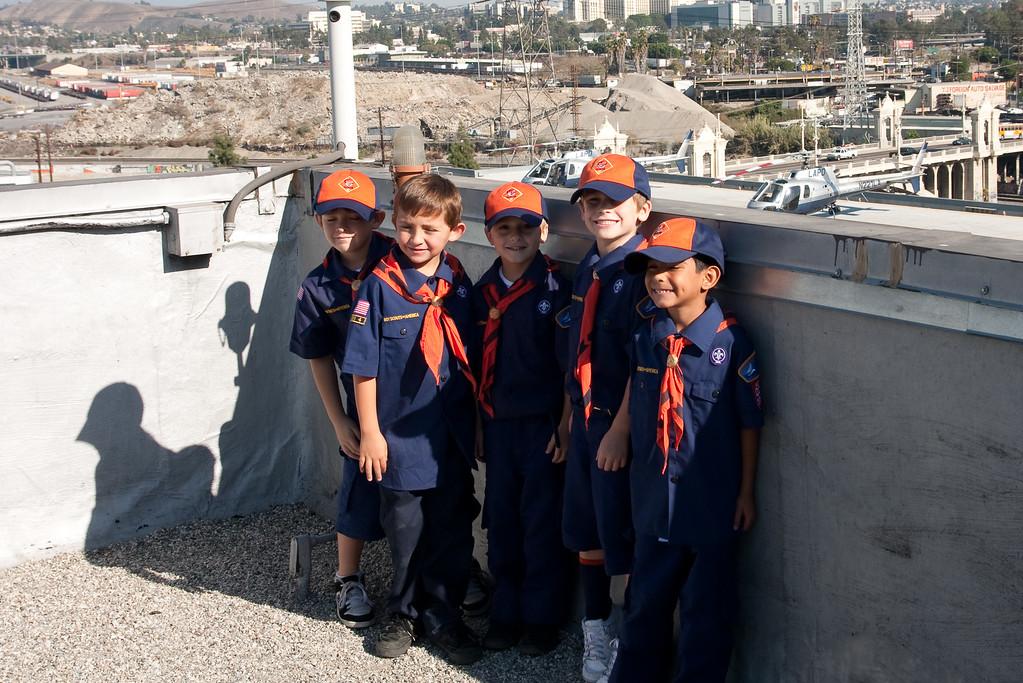 2009.11.22 Cub Scouts police visit 040