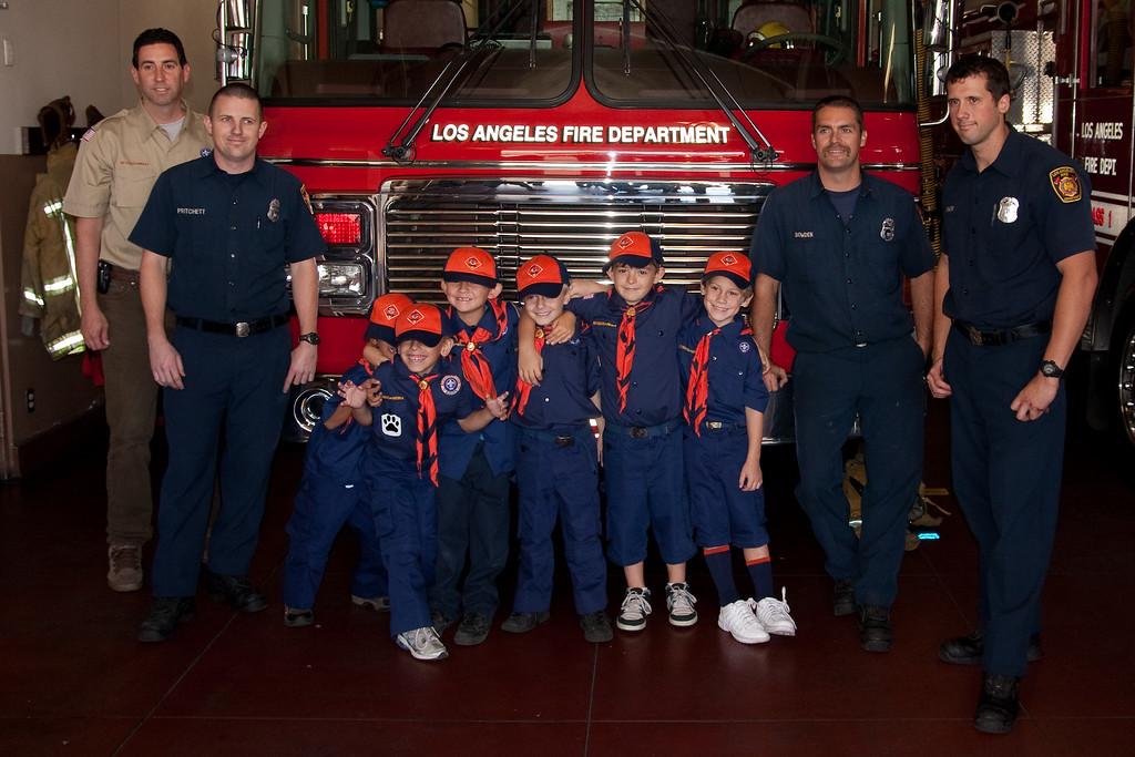 2009.11.22 Cub Scouts police visit 029
