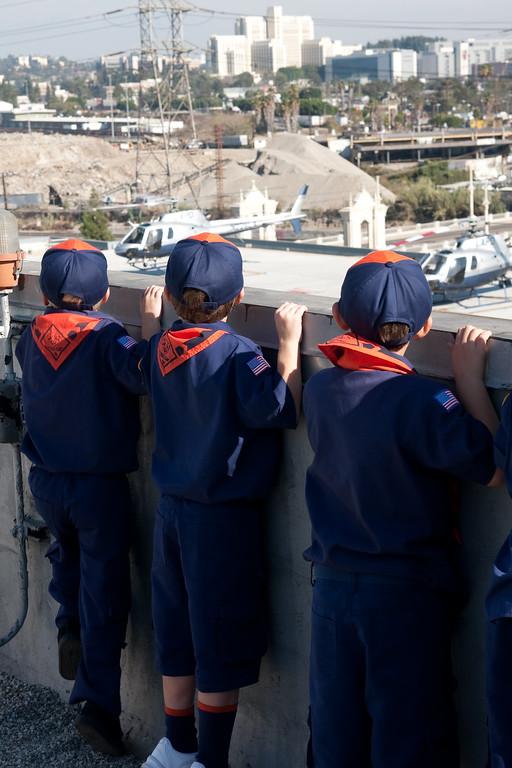 2009.11.22 Cub Scouts police visit 046