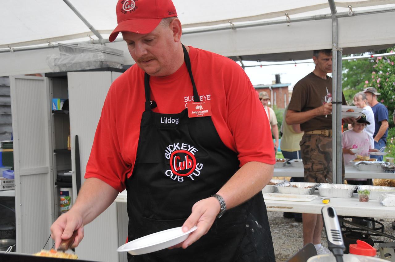 Omelet chef John Ratliff.