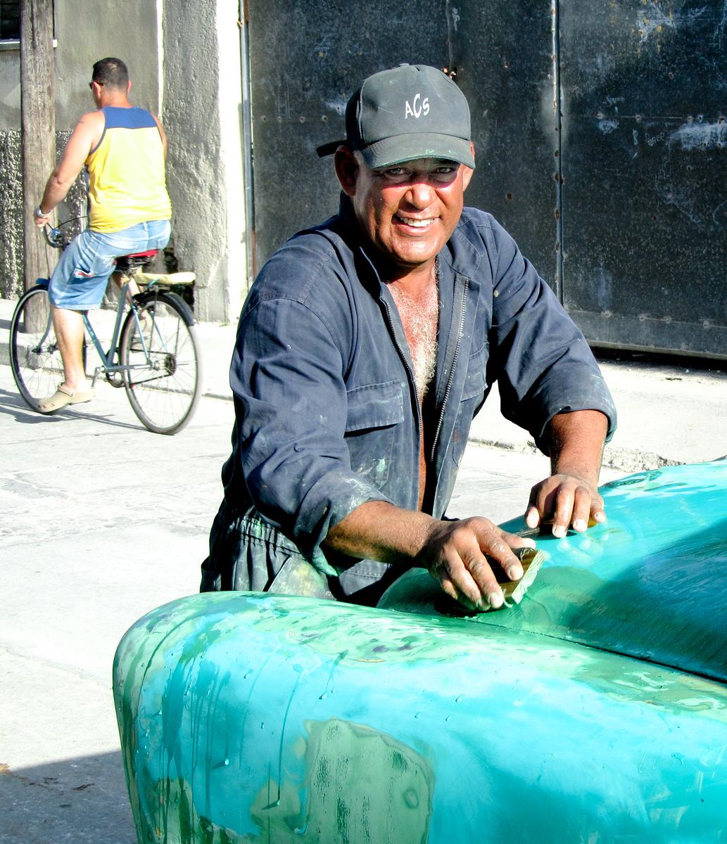 IMAGE: https://photos.smugmug.com/Cuba-2011-/Life/i-h6PLTxT/0/48a286b2/X3/IMG_8228-X3.jpg
