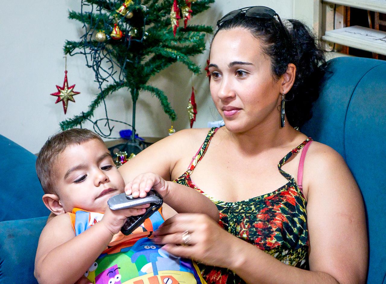IMAGE: https://photos.smugmug.com/Cuba-2011-/Life/i-vbxJrtK/0/d094e2f1/X2/DSC08922-X2.jpg