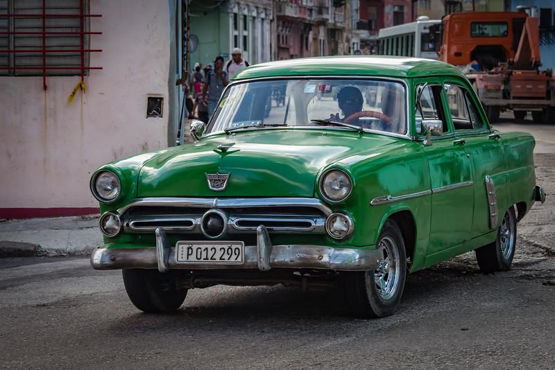 1952 Ford Sedan
