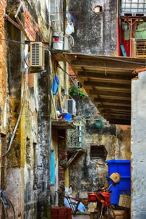 Side streets of Cuba