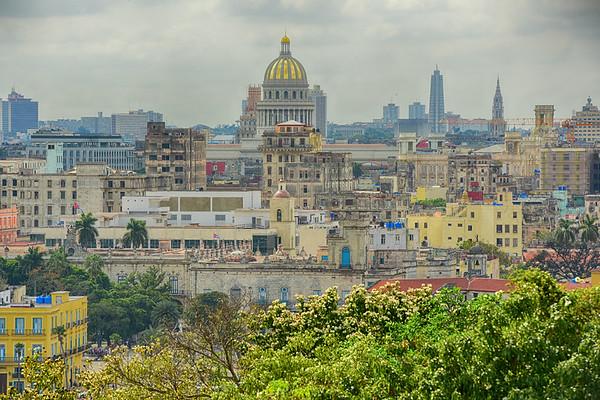 Capitolio in gold