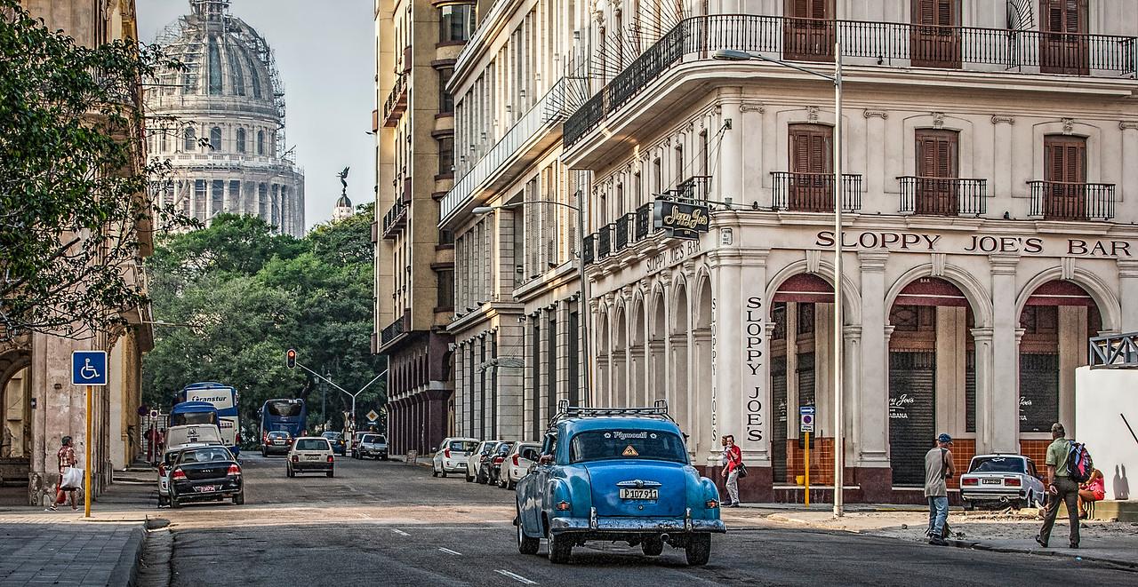 Sloppy Joes Bar in Old Havana in Cuba