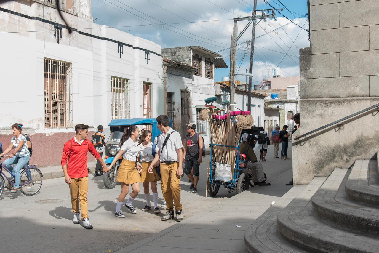 Street of Santa Clara; secondary school students