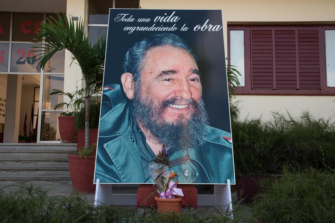 Fidel portrait in front of PCC