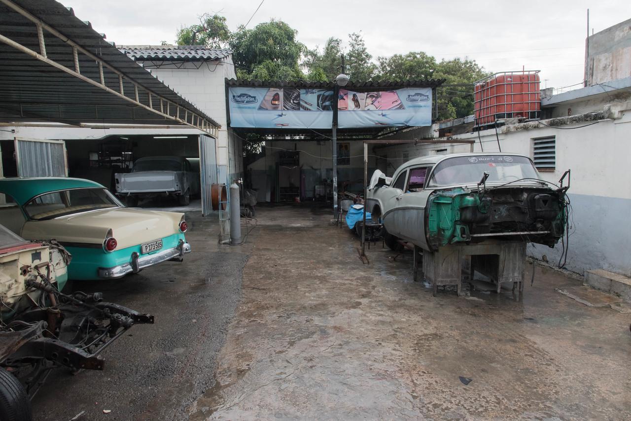 Nostalgia Cars   Garage
