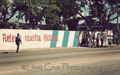 Los fieles no cogen guagua Havana, Cuba.