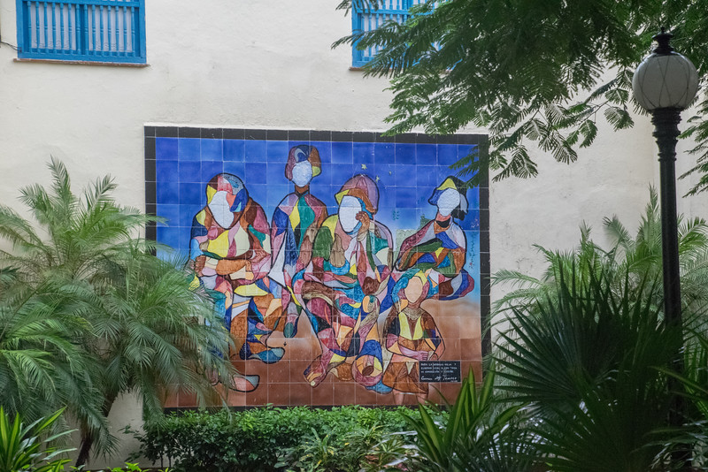Many beautiful and colorful murals in Havana.