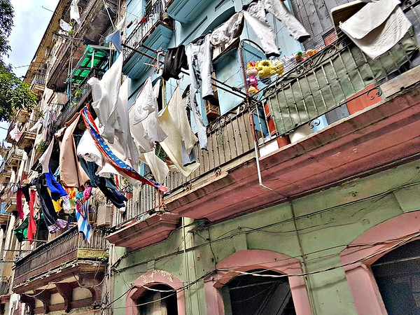 Trip to Cuba - Hanging Laundry in Havana