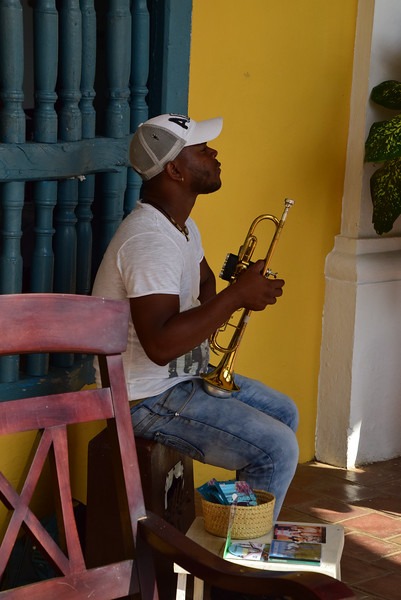 A musician waits to play at Hacienda Ingenios.