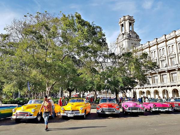 Exploring Havana - Old Cars in Havana