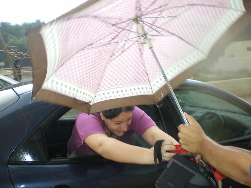 ''hurry! hurry! im getting all wet!! ahhh my hair!!'' - rikki tikki ;)