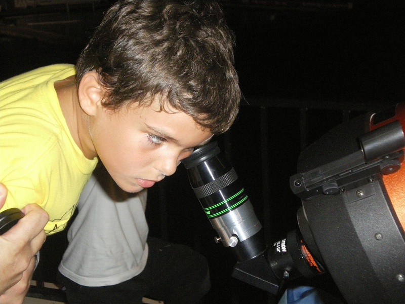 Ben looking at the astronuts on the moon :P