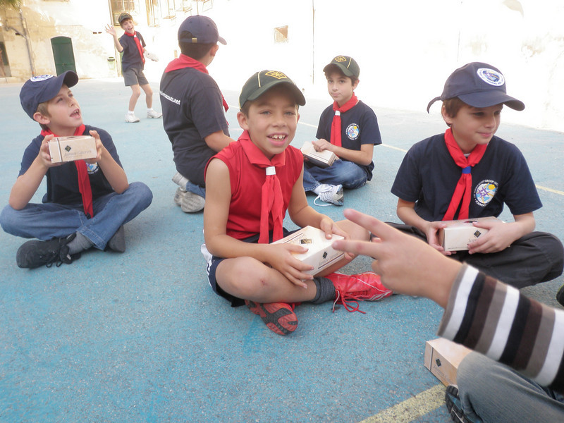 the cubs who simply couldn't wait to open their lunches!