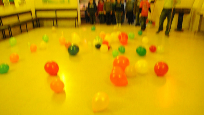 VIDEO: Time to burst all the balloons!!