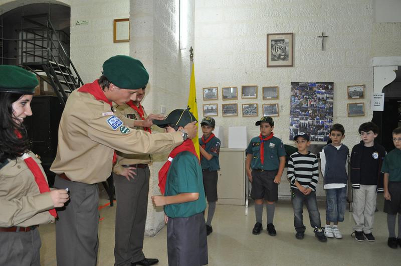 Tabaqui presents Mateo with his Cub cap