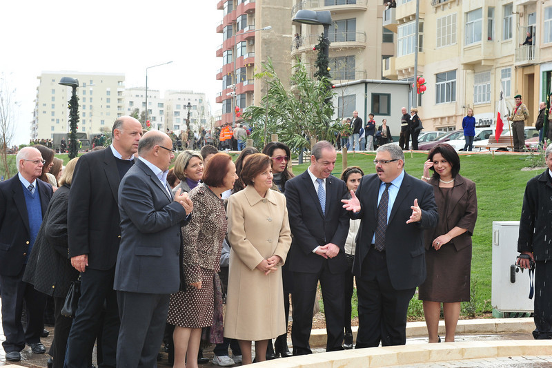Minister George Pullicino explains parts of the park - Sliema Scouts in the background - Photo: MRRA (Ministry of Resources and Rural Affairs)