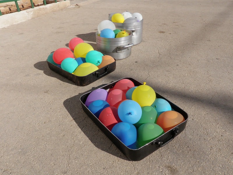 Ballooonsss!!! you know what this means! WATER FIGHT!