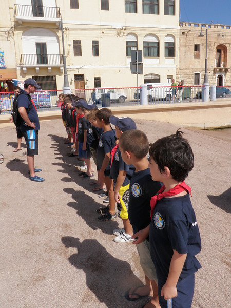 Akela speaking to the Cubs whilst at St George's Bay