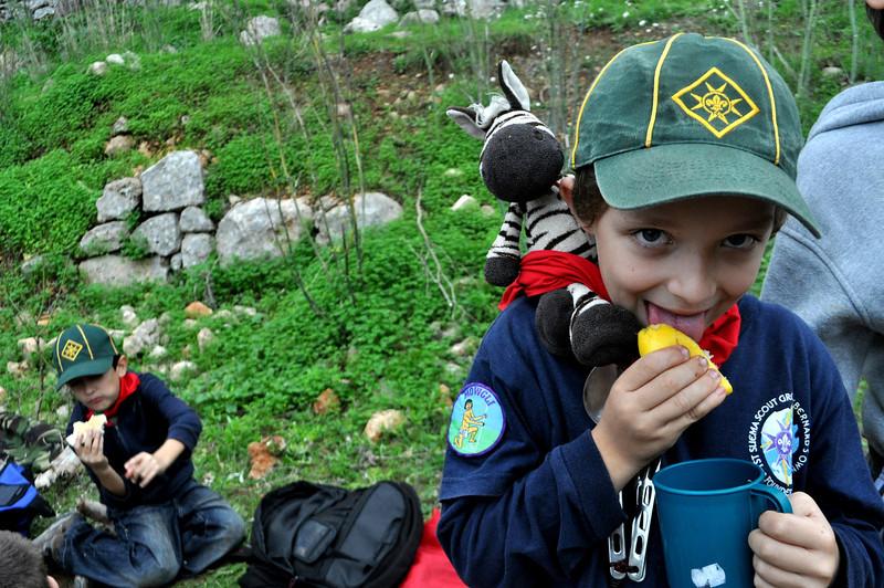 We found out that Julian like lemon....a lot!