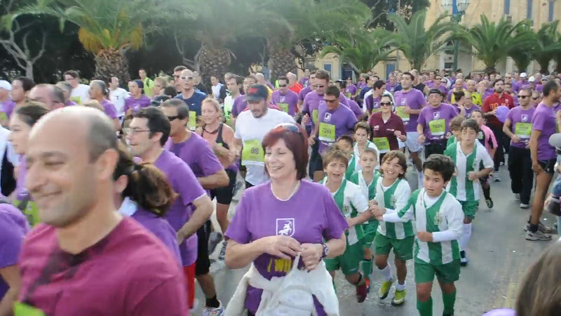 VIDEO: The President & runners arrive in Floriana near the War Memorial passing by the Sliema Cubs