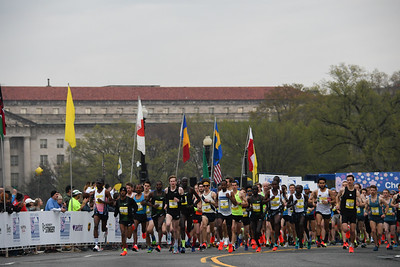 2019 Credit Union Cherry Blossom Ten Mile Run - photo by Karen Mitchell
