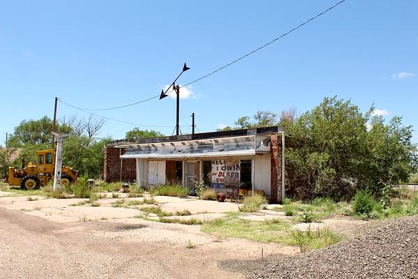 Abandoned service station (2020)