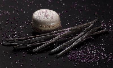 Macaron Vanille Violette Cassis