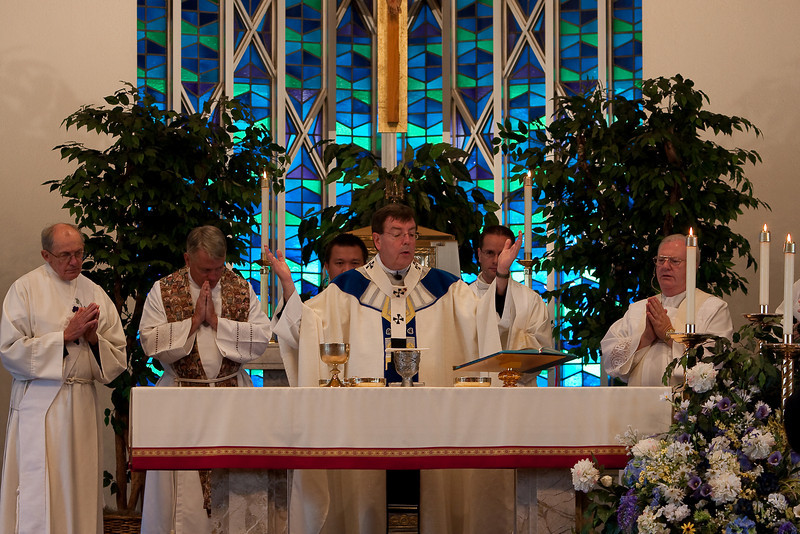 Archbishop Allen H. Vigneron celebrated Mass on September 11, 2010 at the 7:30am at St. Michael's in Livonia, MI preceding the Helpers of God's Precious Infants prayer vigil.  In the photo (L-R), Deacn Gerald Smigell, Rev. Jack Quinlan, Rev. Don Lacuesta, Rev. Raymond Arwady, Rev. William Tindall (Pastor of St. Michaels).  Rev. Greg Tokarski and the archbishop's secretary, Rev. Charles Fox were not in the photo.
