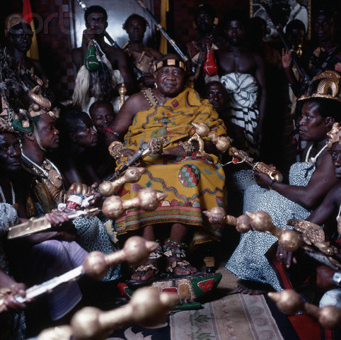 1988 - 1991, Ghana --- Nama Opuko Ware II, Asantahene, or king, of the Ashanti in Ghana. --- Image by © Daniel Lainé/CORBIS