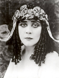 "Before there was a Liz Taylor there was Jacksonville's own superstar ""Cleopatra"" Theda Bara. Theda Bara  (July 29, 1885 – April 13, 1955), born Theodosia Burr Goodman, was an American silent film actress - one of the most popular of her era.  FROM:   store.tidbitstrinkets.com  http://www.google.com/imgres?imgurl=http://store.tidbitstrinkets.com/blog/wp-content/uploads/2009/08/ThedaBara.jpg&imgrefurl=http://store.tidbitstrinkets.com/blog/%3Ftag%3Dtheda-bara&h=521&w=400&sz=28&tbnid=mcAr3nTxaqStSM:&tbnh=256&tbnw=197&prev=/images%3Fq%3Dtheda%2Bbara&zoom=1&q=theda+bara&usg=__Yxve5-CGOaTyxe2saRZBsH9nWJI=&sa=X&ei=IduUTeOMA9GctwerifGJDA&ved=0CCAQ9QEwAQ"