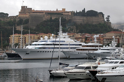 Mega Yacht LADY MOURA with S-76B VP-BIR @ Monaco 27Mar05