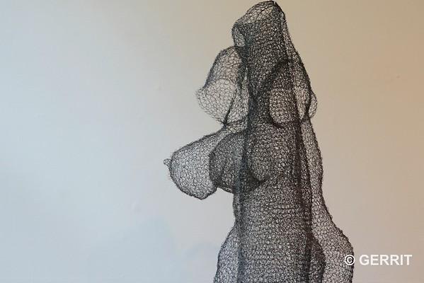 Monika Supé: Kleiderkörper