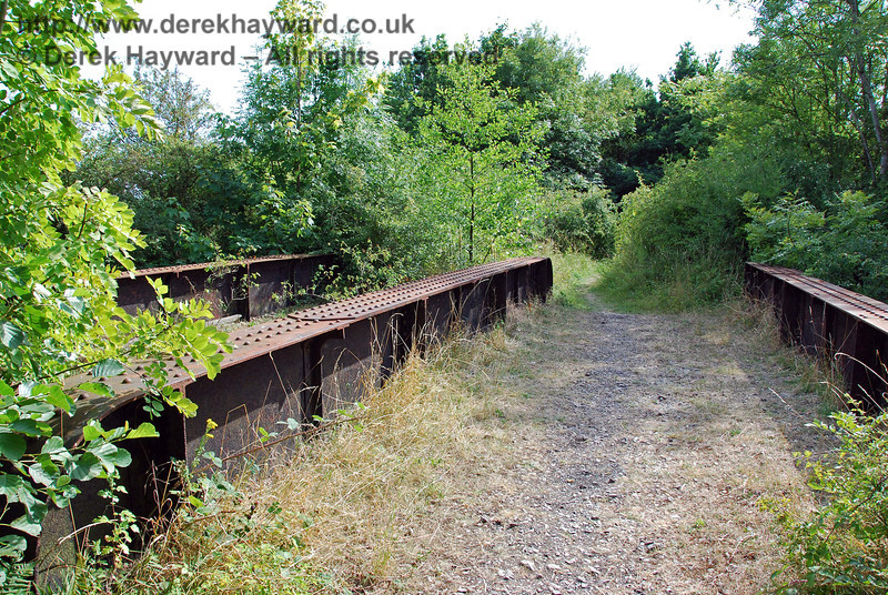 Another view of the disused bridge looking west. 27.07.2008