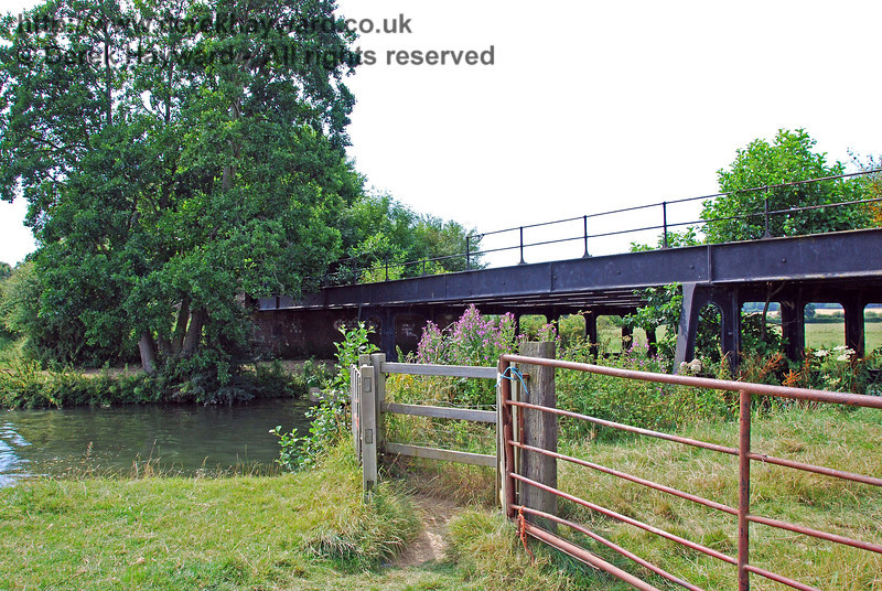 A second view of the River Ouse bridge, showing the public footpath that runs under the bridge on the eastern bank. 27.07.2008