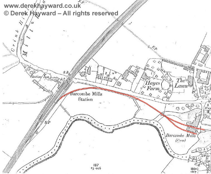 An extract from the 1899 OS map of the Barcombe Mills area, showing the extent of the long siding.  There is no trace of it today outside the station area.