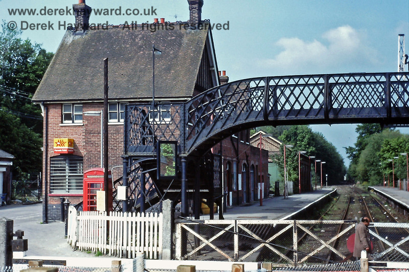 Looking south into the old closed station at Uckfield on 25.05.1991.  Eric Kemp retains all rights to this image.