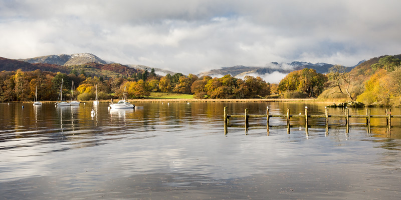 Autumn morning on Windermere lake