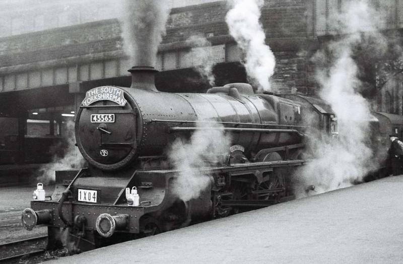 45565 Victoria, Bradford Forster Square, 24 September 1966.