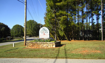 Holyoke Cummming GA Neighborhood (1)