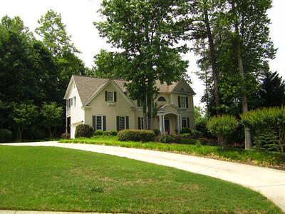 Nichols Creek Cumming GA Neighborhood Of Homes (4)
