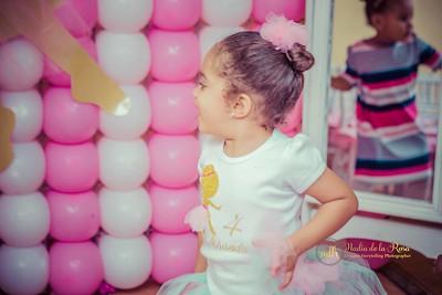 Nadia de la Rosa nadiaphotographer@gmail.com 809.481.9987 * 849.353.8299