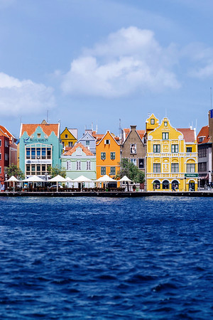 The Punda neighbourhood in Willemstad is one of the Caribbean's few UNESCO World Heritage sites. It showcases the typical Dutch colonial architecture found in the Netherlands in a very colourful way!